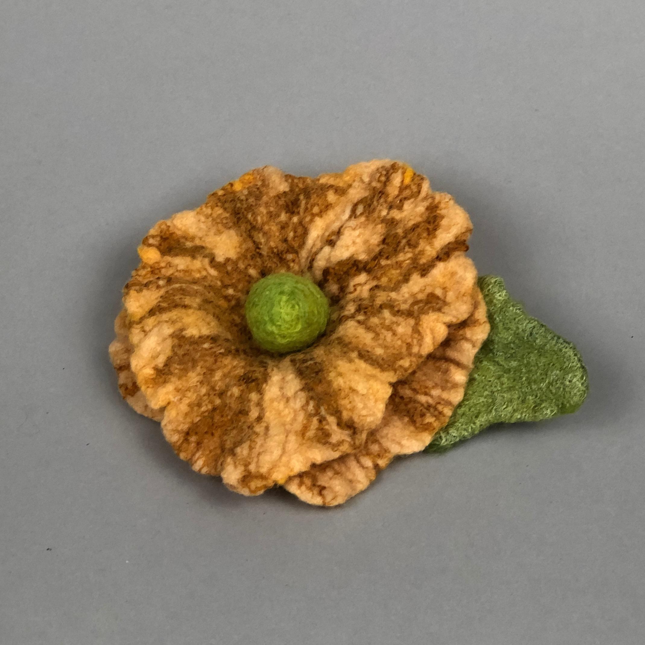 goldfeltflowerpin